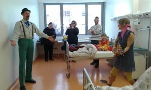 Srčne mame in Rdeči noski v bolnišnici