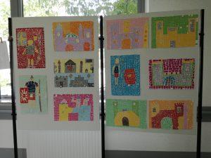 Razstava likovnih del učencev 5.a in 5.b na veznem hodniku Splošne bolnišnice Slovenj Gradec